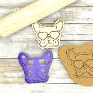 Bulldog Francese simpatico con occhiali