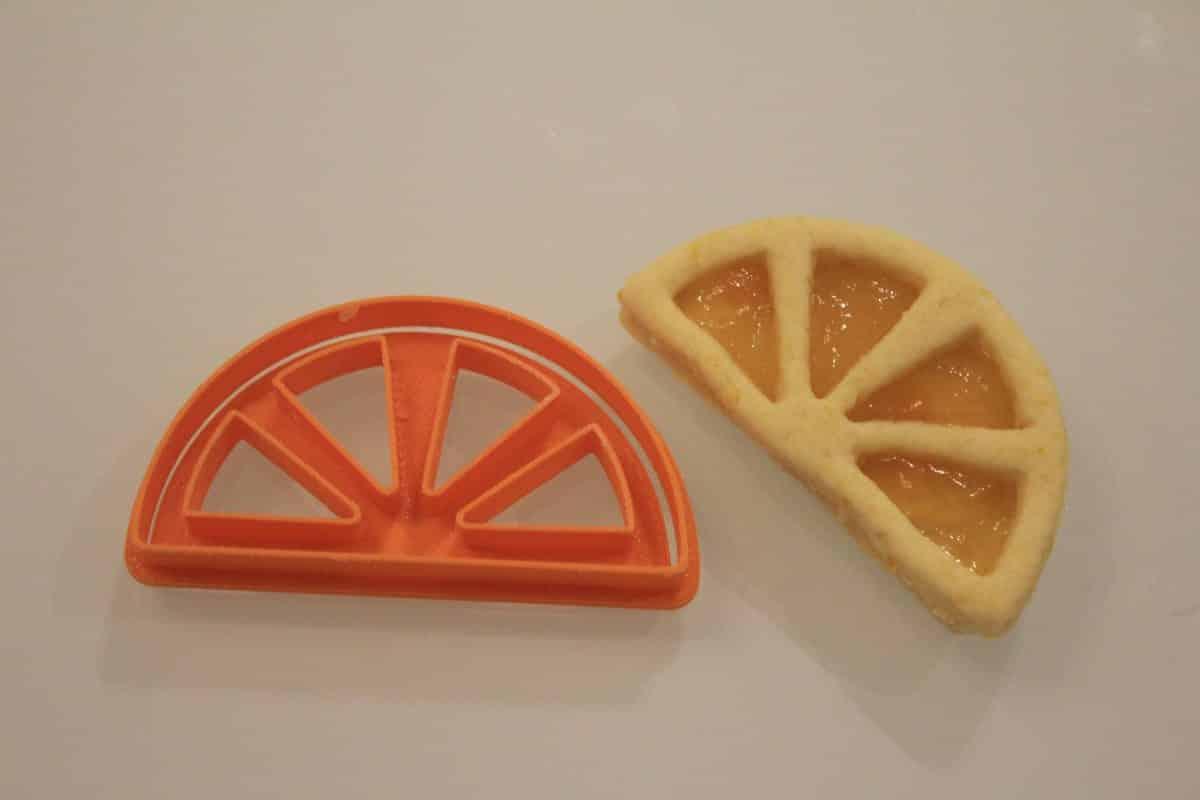 Biscotti spicchi di arancia ripieni