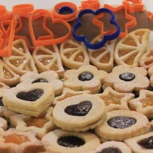Biscotti ripieni cuore marmellata