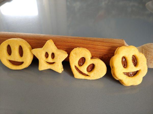 biscotti frolla ripieni nocciola