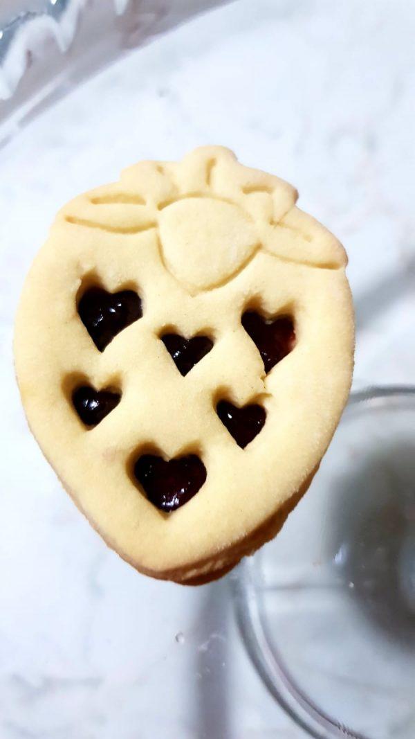 Formine per biscotti cuor di fragola ripiena