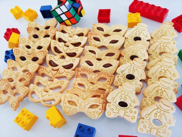 Biscotti di carnevale ripieni alla marmellata formine stampini stampi cookie cutters