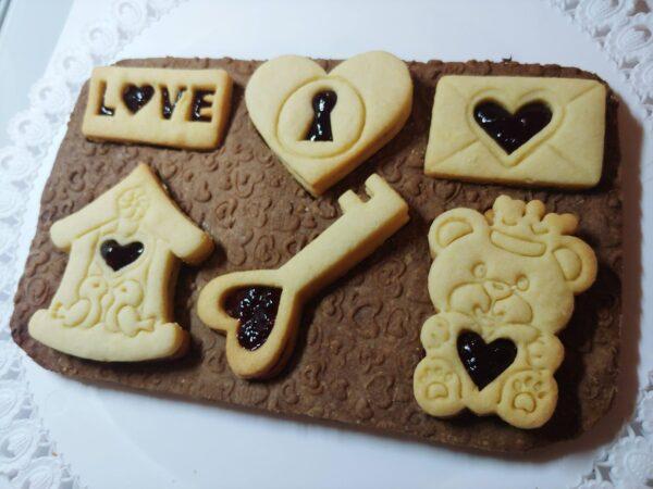 Ricetta pastafrolla per biscotti San Valentino innanmorati orsetti coppia amore