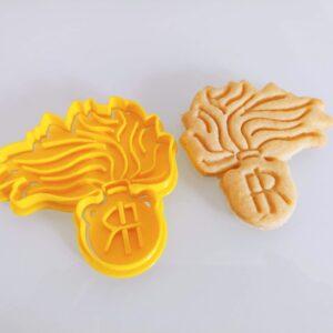 Fiamma Carabinieri formina biscotti