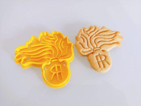 Biscotti CArabinieri Fiamma stampi cutter tagliapasta