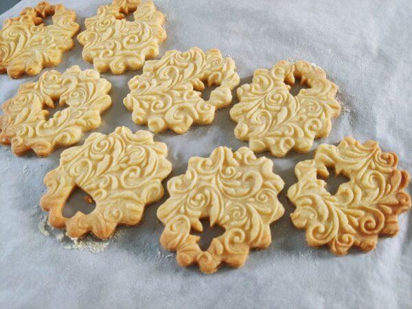 contorni per biscotti pastafrolla